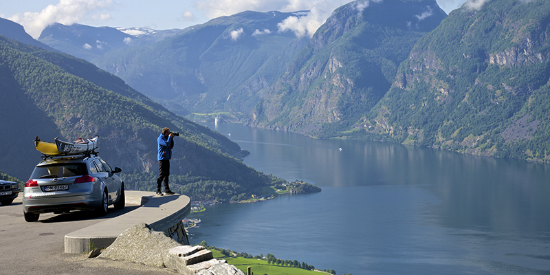 Aurlandsfjord-viewpoint-western-norway-2-1_fcc4c198-dc11-41c9-b136-89357ce286c5